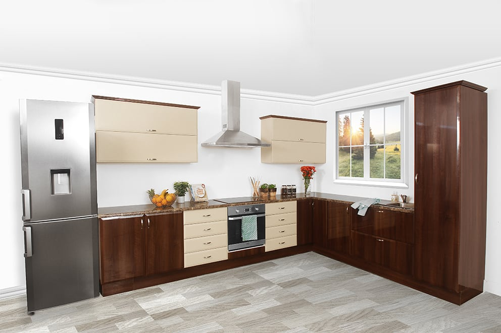 traditional style kitchen with built in cupboards